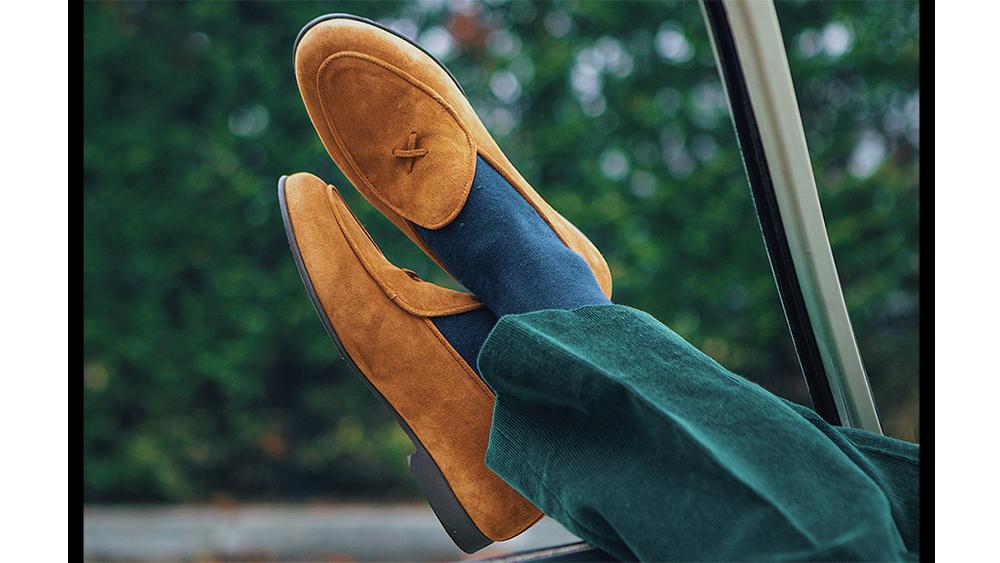 Del Toro's classic suede 'Milano' loafers.