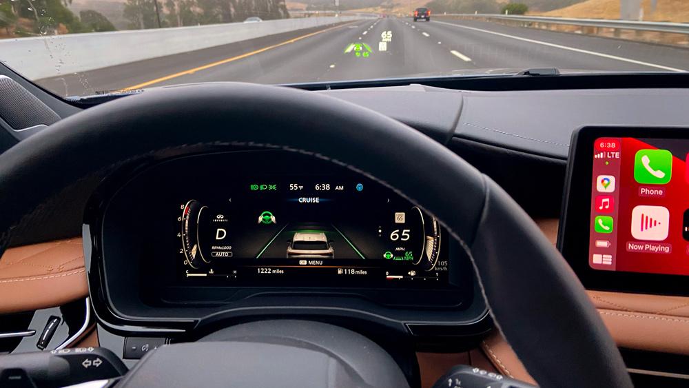 Driving the 2022 Infiniti QX60.