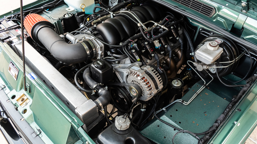 The 430 hp, 6.2-liter V-8 engine in a 1991 Range Rover Classic restomod.