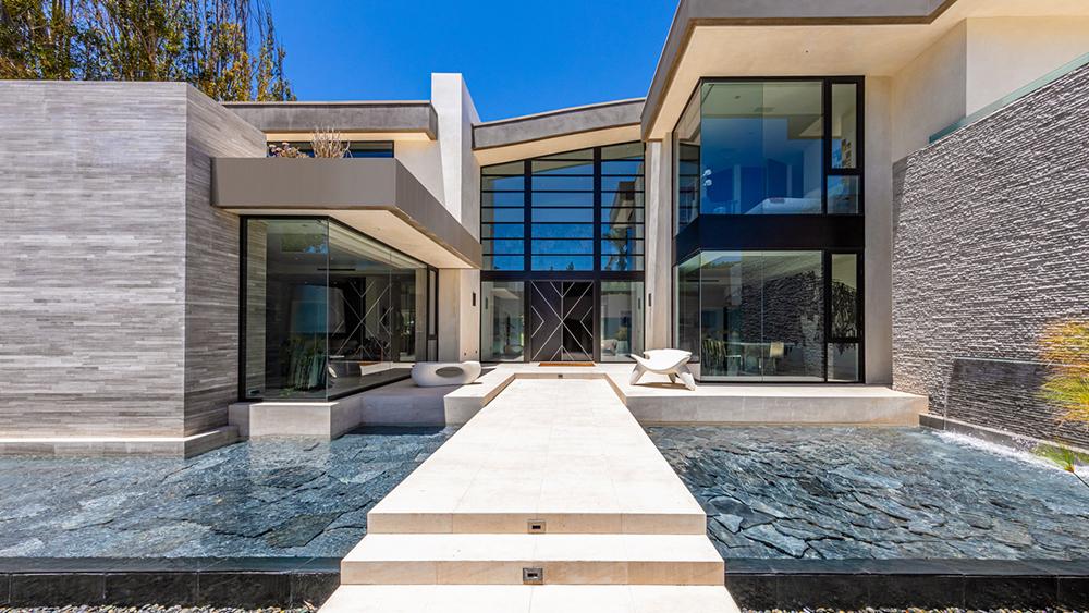 Jade Mills Real Estate Broker