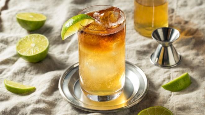Dark 'n Stormy cocktail